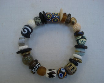 African recycled glass stretch bracelet