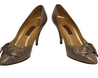 Vintage Estate Proxy Grey Leather Pump with Bow Detail Size 7.5