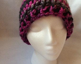 Womens hat with pom pom