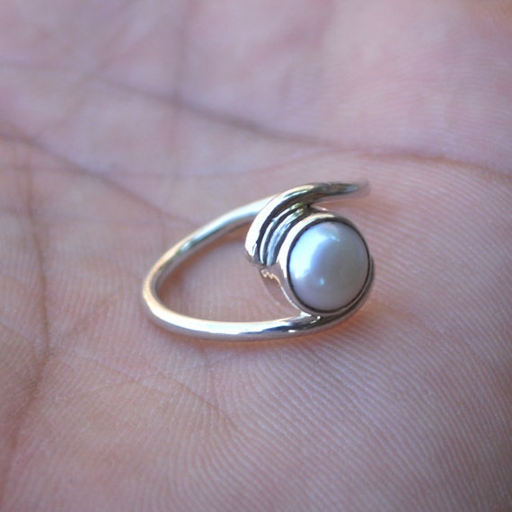 South Sea Pearl Ring , South Sea Pearl Ring size 7 - Mothers Day Gift ring -Peridot, Pearl Artisans Jewelry