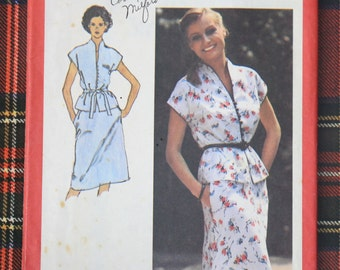 9379 Simplicity Size 10 Bust 32 1/2 Vintage 1980 Skirt Peplum Blouse Sewing Pattern