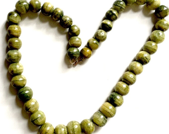 Vintage Estate Thick Short Beaded Jade Beads Necklace