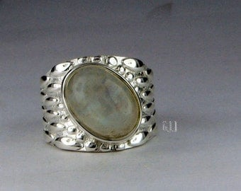 moonstone ring , Sterling silver Ring of rainbow moonstone , 92.5 Silver Ring of rainbow moonstone size 6 7 8 9