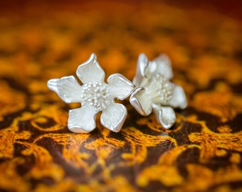 The Ayame Studs (blossom earrings)