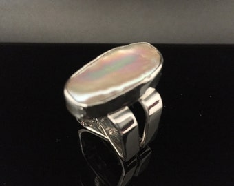 Freeform Mabe Pearl Ring // Double Band 925 Sterling Silver Setting // Creamy White Color // Size 7