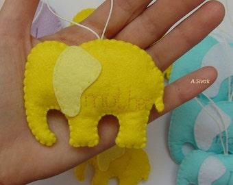Elephant Ornaments, Personalized Elephants family Ornament, Animal ornaments, ELEPHANT PERSONALIZED ORNAMENT, Happy Elephant Christmas