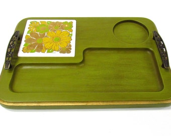 1970s Vintage Woodland Cheese Board - Floral 70s