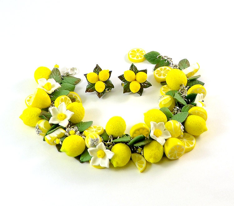 Lemon cha cha charm Bracelet - Polymer clay jewelry-  Gift for girlfriend - Handmade jewelry - Yellow citrus jewellery