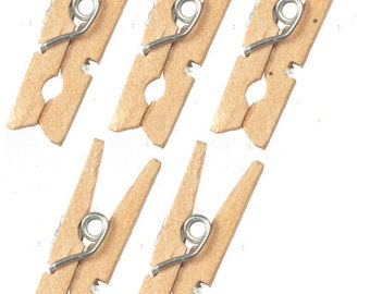 DOLLHOUSE MINIATURES 5 Pc Wooden Clothespins Set #G8076