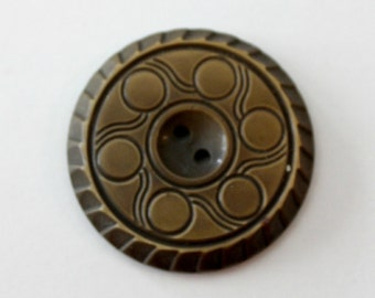 Vintage bronze bakelite  button with art deco circle and line design.