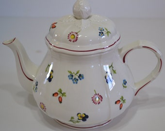 Villeroy and Boch 32 ounce Tea Pot