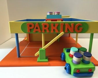Wooden Toy Parking Garage including 2 Wooden Toy Cars with 8 Wooden Toy People