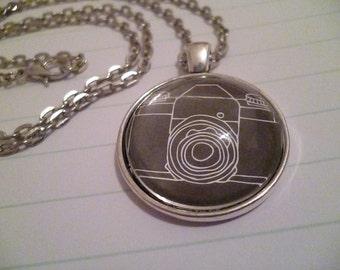 Camera necklace (silver)
