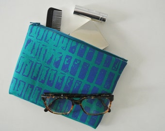 Zipped pouch fabric exclusive graphics and modern