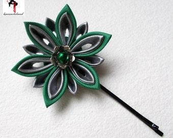 Flower Japanese tsumami kanzashi, color green and silver.
