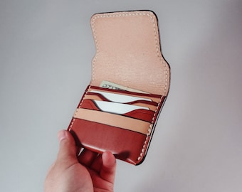 Lightweight Leather Compact Wallet - Minimalist Card and Cash Organizer