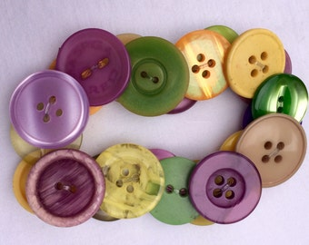 Button Bracelet: mid 20th century pastel sew through vintage buttons. SPRING COLORS!