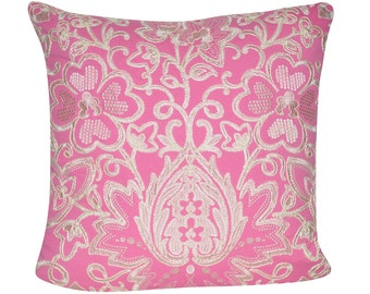 """Loom and Mill 22""""x22"""" Paisley Flower Decorative Pillow"""