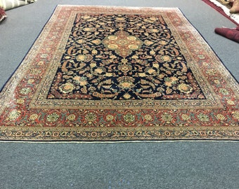 Beautiful isfahani design persian rug