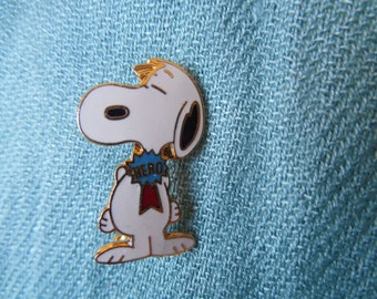 Snoopy Aviva Hero Award Lapel Hat Pin