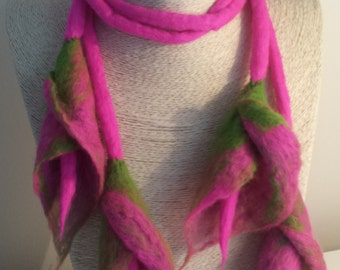Felted Lily Necklace, Felted double lariat, felted lily tie-backs, multiple use felt flowers, felt jewellery, shades of pink and green.