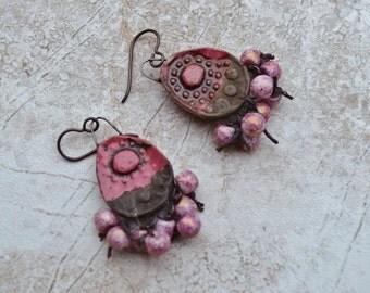 Tribal rusty pink earrings ButterflyEmporium - DayLilyStudio