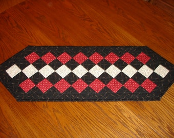 Table Runner/ Quilted Table Runner/ Country/ Primitive Item #440