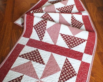 Quilt - patchwork - table runner - tablecloth