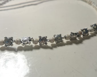 White turquoise turtle hair band
