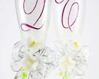 Personalized Champagne Glasses, Hand Painted Custom Wedding Flutes, Wedding Gift, Toasting Glasses, Bride and Groom Gift, Initials,Set of 2