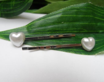 Set of 2 Ivory Pearl Heart Bobby Pins, girls bobby pins, Flowergirl bobbypins, flowergirl hair clips, Wedding hair clips, hair accessories