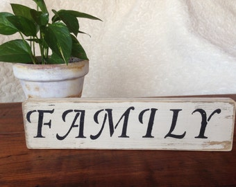 """Distressed Wooden """"Family"""" Sign"""