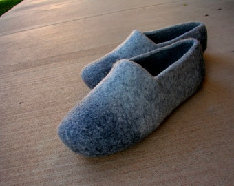 STONE man's slippers out of 100% wool HANDFELTED OOAK