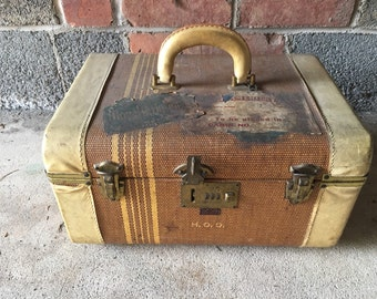 Vintage train cosmetic case