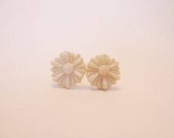 Daisy Post Earrings - White Pearl - Polymer Clay