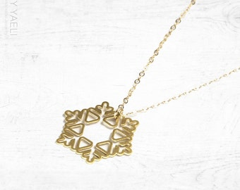 Long necklace, snowflake necklace, gold snowflake pendant, winter necklace, nature necklace, gift under 50, everyday necklace, gift for her.