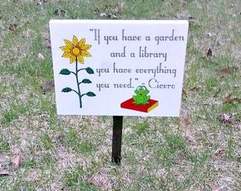 Outdoor Garden Sign, Frog Garden Decor, Frog Garden Sign, Frog Decorations, Outdoor Frog Decor, Frog Lover Gift, Book Gift, Book Lovers Gift