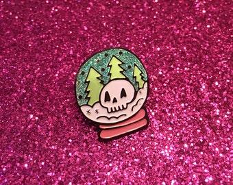 Skullglobe Enamel Pin