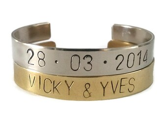 Customized handmade metal bracelets with the text, name or date has beaten you want!