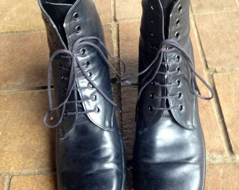 Vintage Victorian Parisian Witch designer French Combat boots//size 7.5 all leather lace up black ankle boots