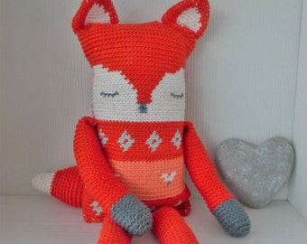 Crochet pattern stuffed toy fox (English US and Dutch)