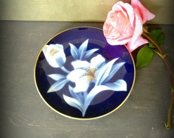 Nice Blue Vintage Plate. Floral Pattern. Porcelaine Floral Antique Plate. 50's Plate. Tulip and Orchid Plate