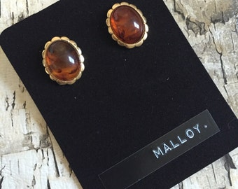 Vintage amber studs. Glass studs. Vintage gold earrings. Gold and brown earrings. Amber jewelry.