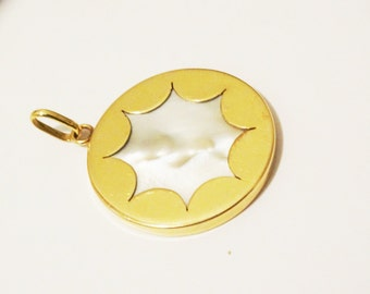 750KT Yellow Gold Stamped large starburst with RARE Center mabe pearl pendant