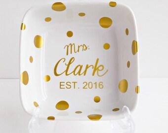 Mrs Ring Dish - Gold - Ring Holder
