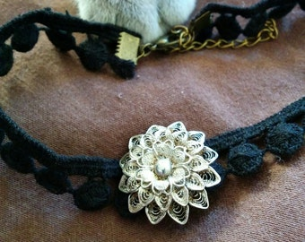 Vintage Floral Filigree Brooch / Choker