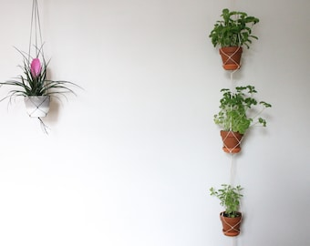 Triple hanging planter