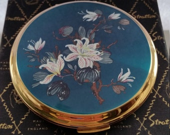 A Fantastic Vintage Enamel Powder Compact By Stratton. Vintage Stratton Powder Compact Floral Enamel Pattern, Original Box and Pouch