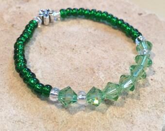 Green bracelet, bracelet for daughter, bracelet for teen, seed bead bracelet, elastic bracelet, stretch bracelet, gift for child