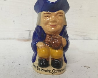 "1000 ISLANDS Ganaoque, Canada SOUVENIR 3"" Man Shaped holder with Handle - VINTAGE!"